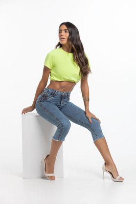 Calça Feminina Modeladora Cropped Cintura Alta com Barra Desfiada
